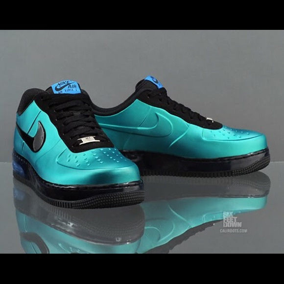 sneakers for cheap 4e085 98e00 New Nike Air Force foamposite low New Green NWT